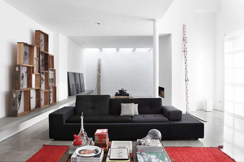 Sillón gris de diseño moderno en el living