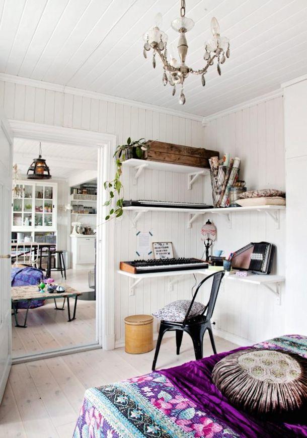 Dormitorio rústico en blanco