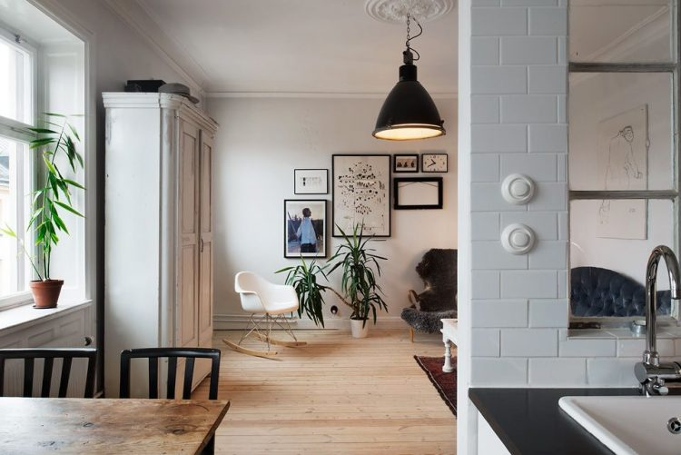 El comedor rústico es el espacio que une la sala y la cocina