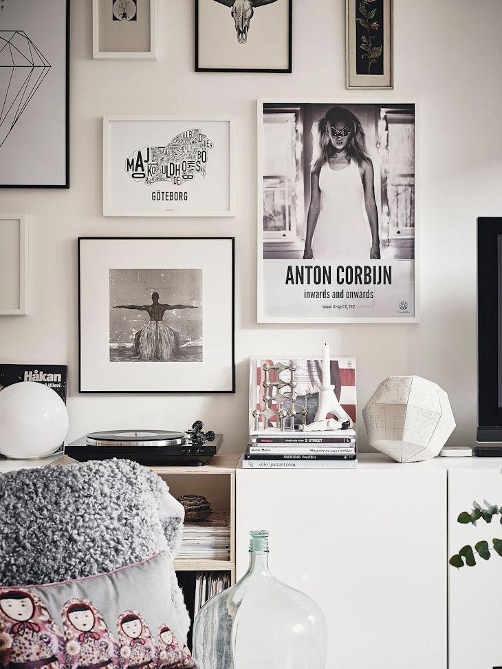 Los muebles del living son de diseño ecónomico de Ikea