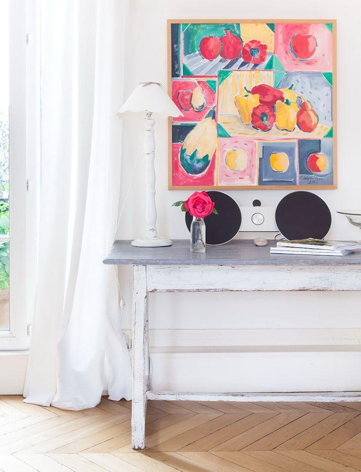 Cuadros y muebles pintados: una buena forma de sumar color a la decoración