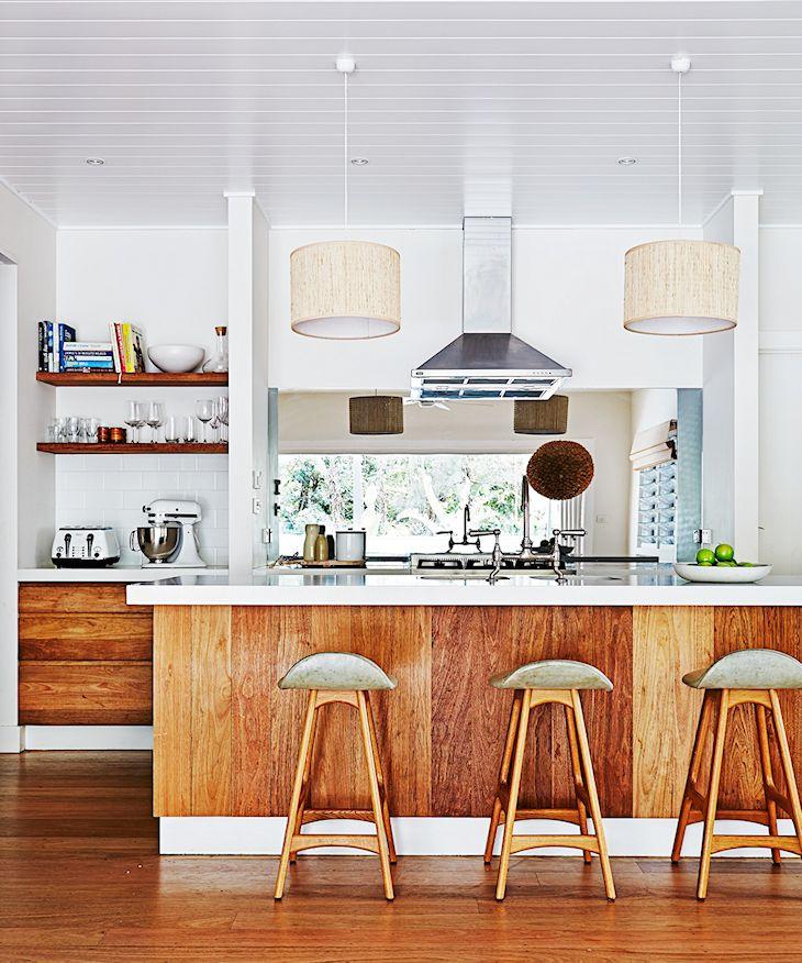 10 diseños de cocinas que incorporan madera a la decoración