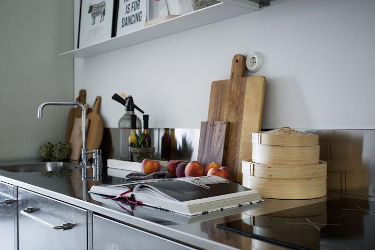 Cocina con mueble de acero inoxidable