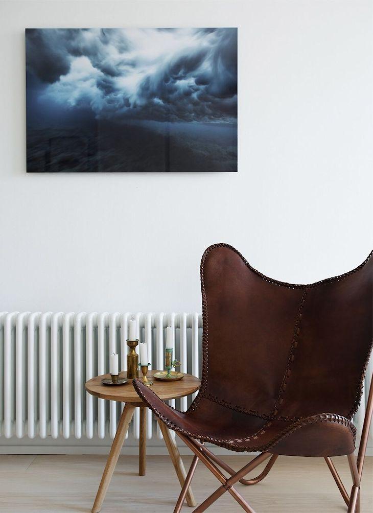 Rincón de lectura con una silla Butterlfy o BKF