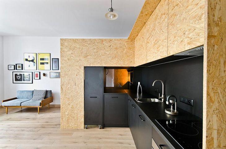 Cocina con diseño en L para optimizar el espacio y poder cocinar cómodamente