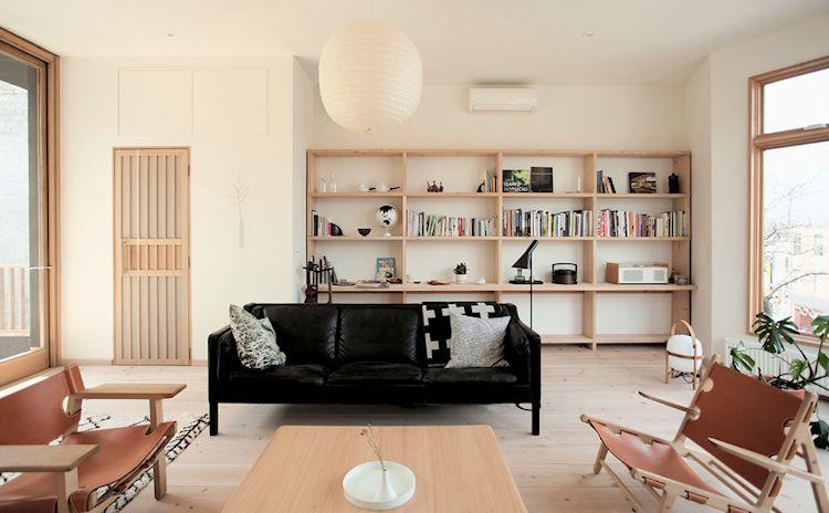 Sala con mobiliario escandinavo