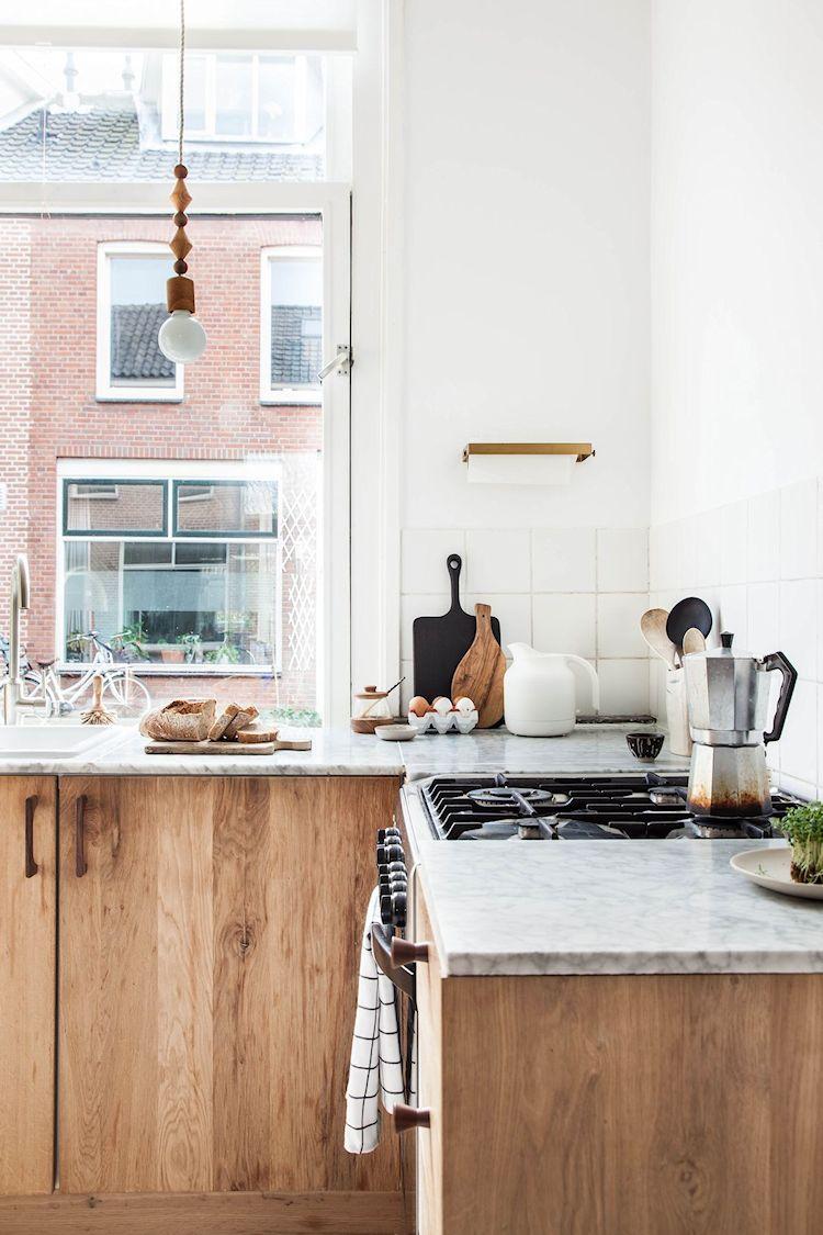 Los muebles de cocina son los originales. Se les instalaron nuevos frentes de madera de roble y nueva encimera
