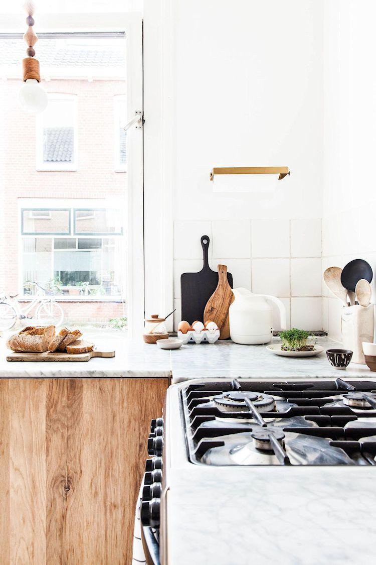 La estufa de acero inoxidable le da un aspecto más actual a la cocina