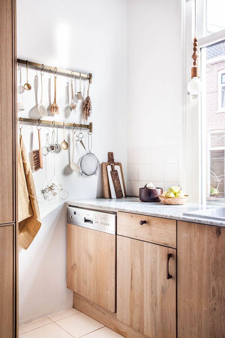 Lavavajilla con frente de madera para integrarlo mejor al resto de la cocina