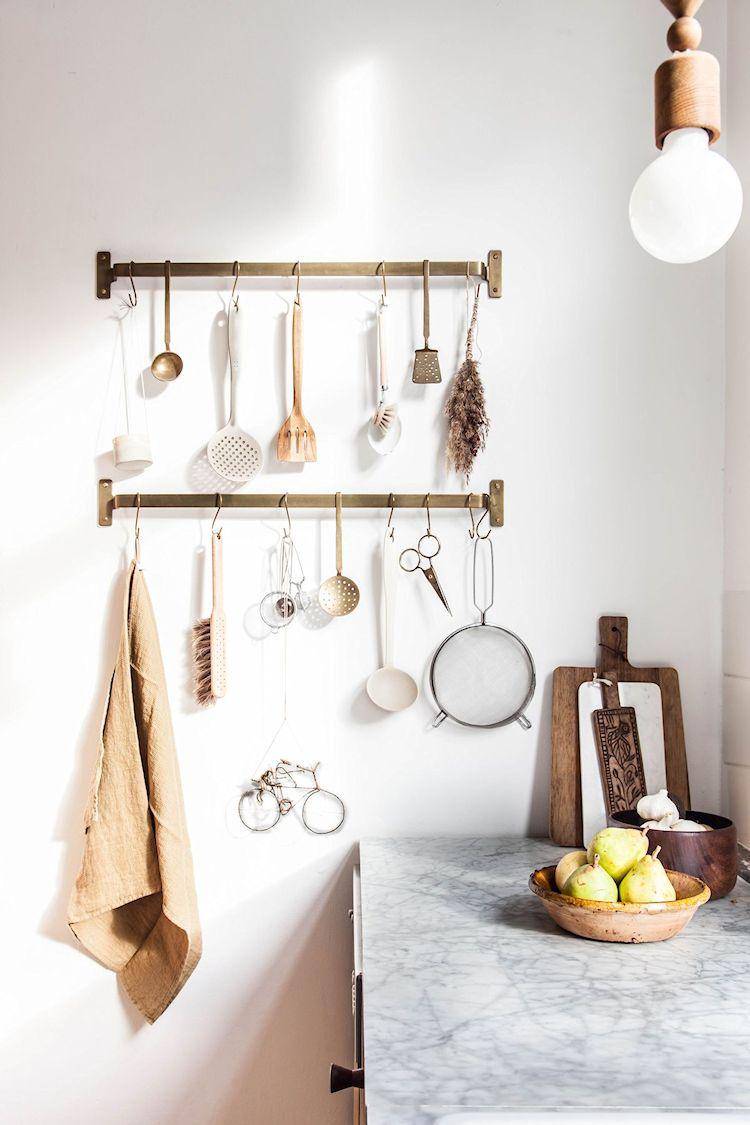 Barrales para colgar utensilios para tener todo a mano y decorar a la vez