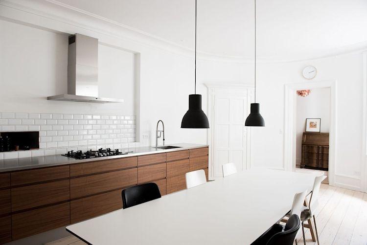 Interiores de departamentos: hogar con diseño moderno escandinavo 10
