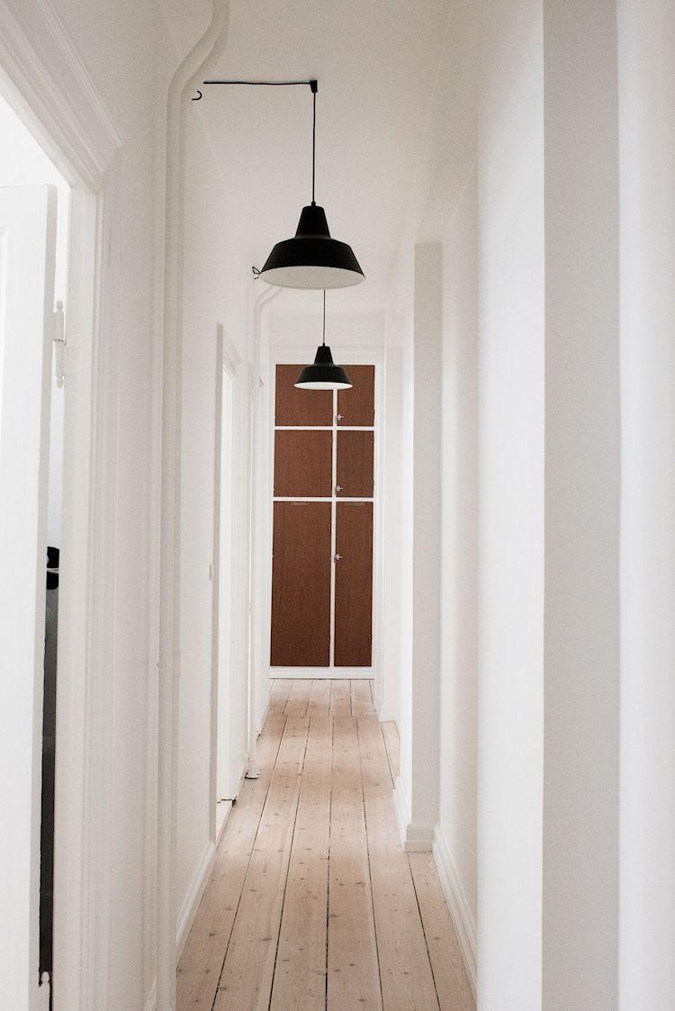 Interiores de departamentos: hogar con diseño moderno escandinavo 13