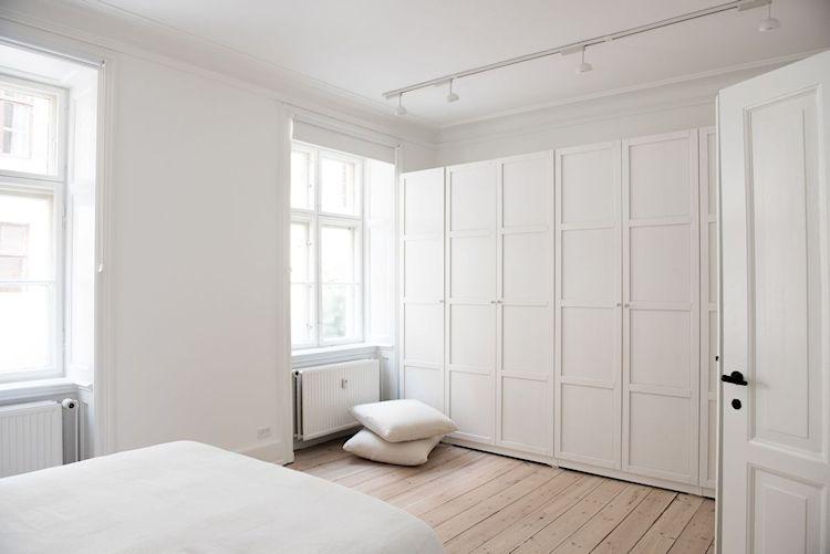 Interiores de departamentos: hogar con diseño moderno escandinavo 15