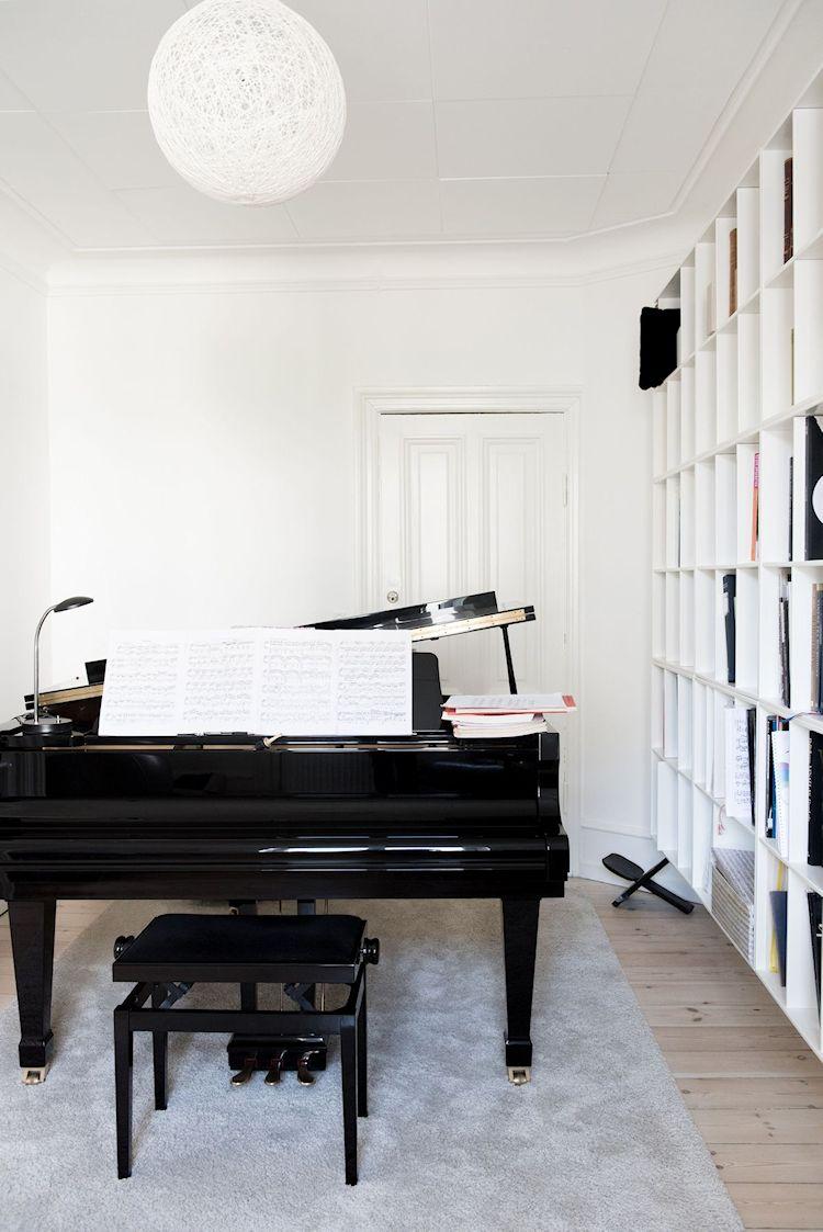 Interiores de departamentos: hogar con diseño moderno escandinavo 7