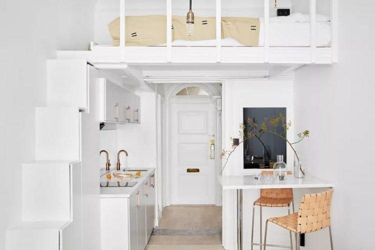 Los entresuelos son la mejor manera de separar espacios de forma permanente. Si los techos del estudio son altos, una recámara en el entresuelo aportará comodidad y funcionalidad al interior del estudio.