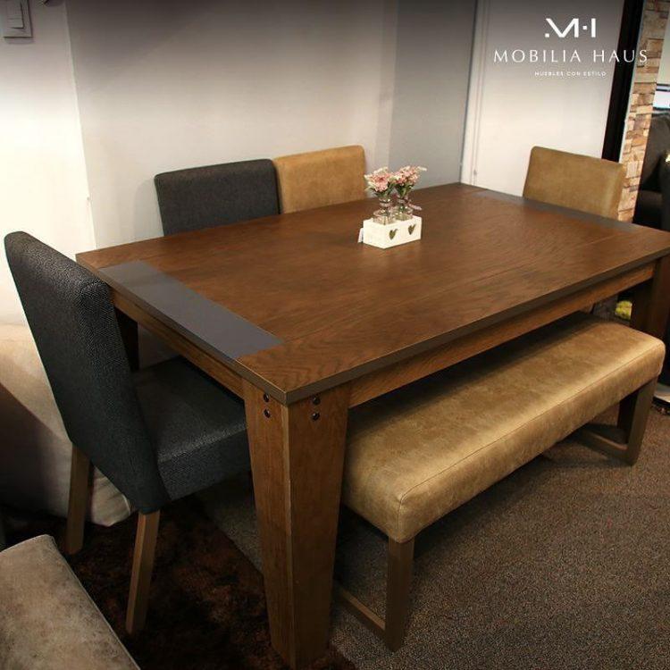 Mesas de comedor y sillas tapizadas en diferentes modelos y telas