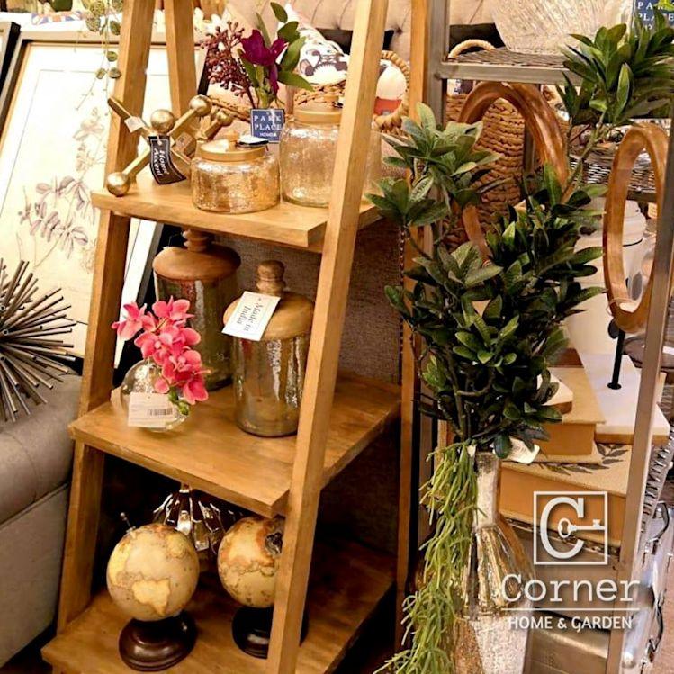 Corner Home & Garden 2