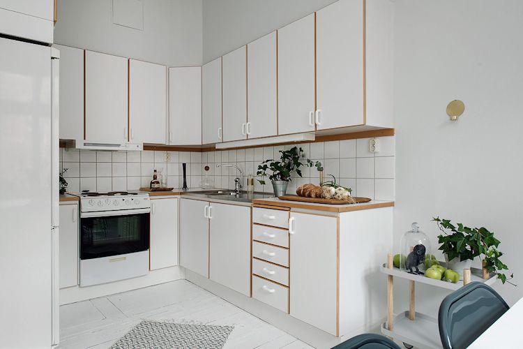 Muebles de cocina de otra época se integran bien a la decoración