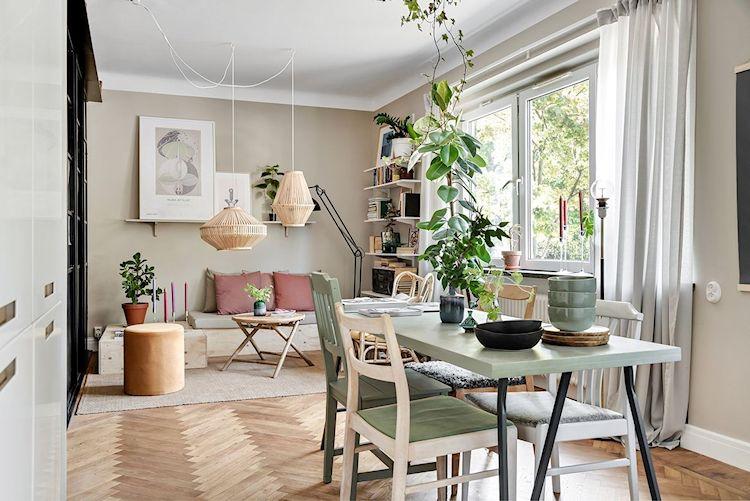 La distribución de muebles está bien lograda y cada espacio se conecta con el resto de manera natural.