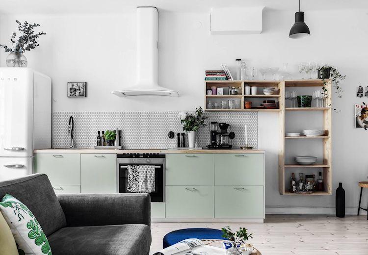 Renovación sencilla de la cocina: cambio de muebles y cerámicos.