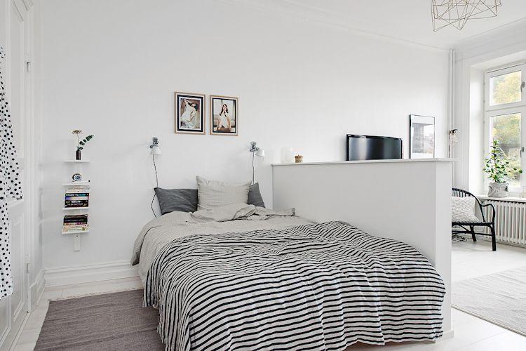 Ideas para espacios pequeños: separar la recámara con una pared a media altura