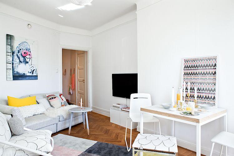 El espacio de la sala es irregular, con ángulos difíciles de aprovechar