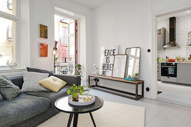 Ideas para espacios pequeños: paredes y pisos blancos crean sensación de amplitud y ambientes más luminosos