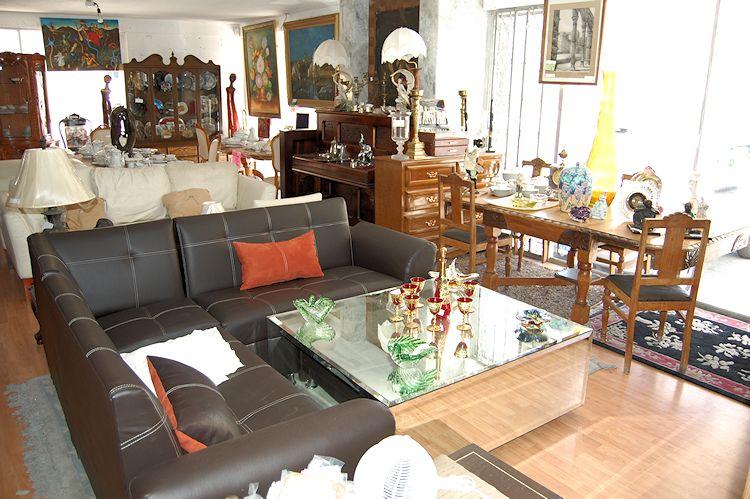 Tesoros Bazar - Muebles antiguos y antigüedades 6