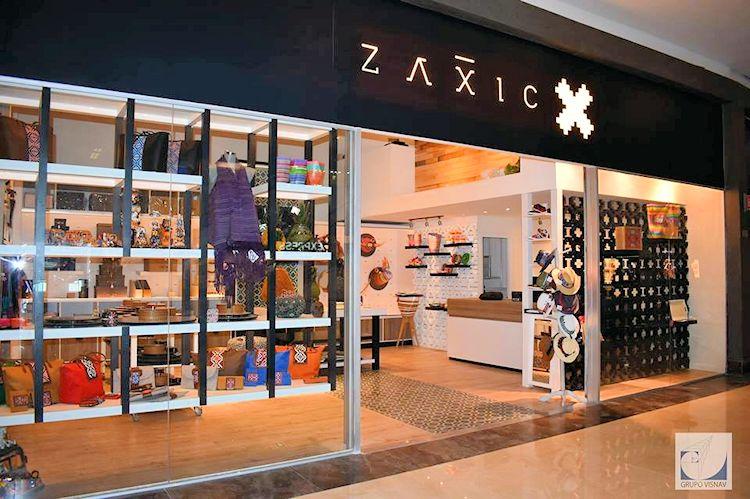Zaxic en el Centro Santa Fe, CDMX 1